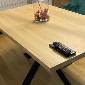 stół o podstawie x 01